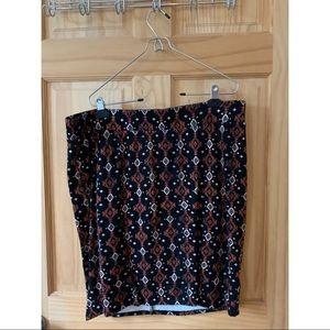 Torrid bodycon patterned skirt